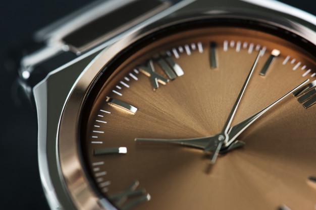4 истории за необикновени часовници