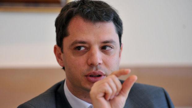 Делян Добрев: Как може Трайчо Трайков да застава до Овчаров