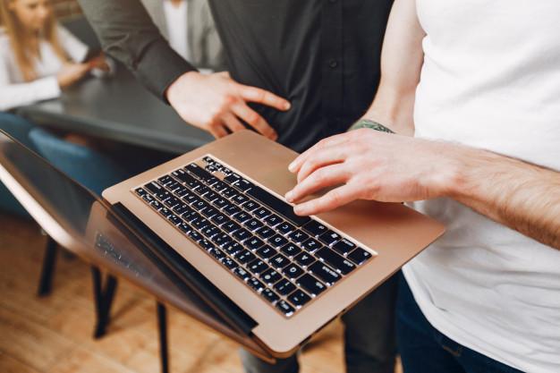 На какво да обърнем внимание, когато купуваме лаптоп?