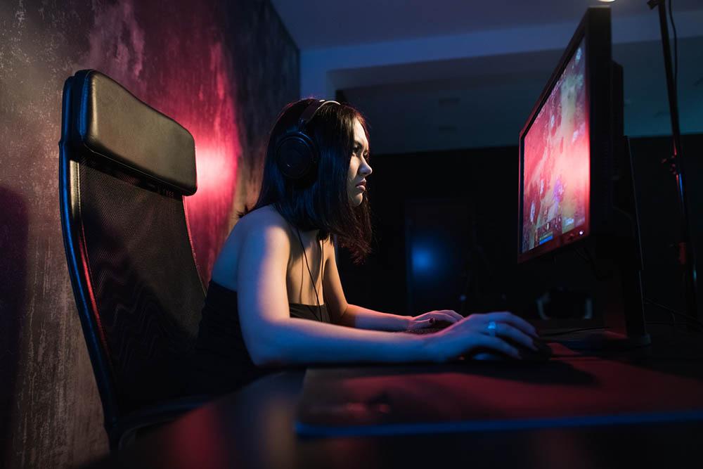 Жените жертват секса за компютърна игра