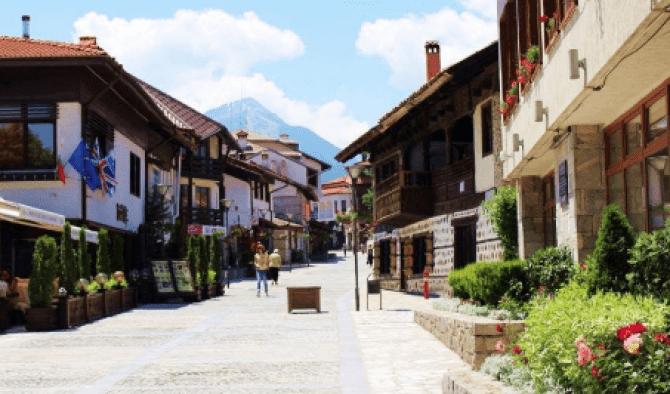 На хотел в Банско – свежест и прохлада в планината